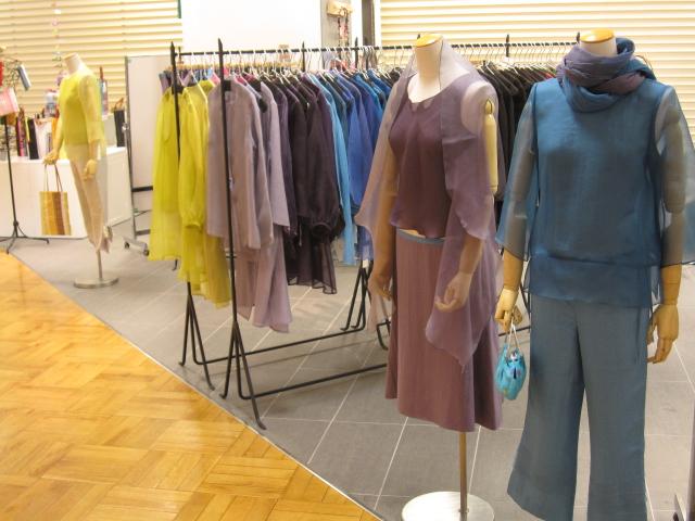 佐藤律子展 染絹の彩衣 Color Colore Couleur_f0180433_22413381.jpg