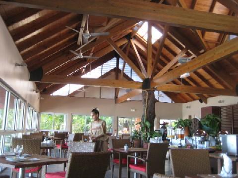 ニューカレドニアの青い空(6)Hotel Kou-Bugnyの朝食_c0013687_04468.jpg