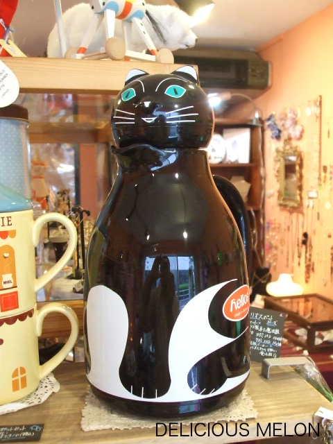 ★★★新入荷サーモキャット!ドイツ製/ネコの魔法瓶です。_c0108789_16274786.jpg