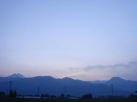 安曇野の夕暮れの空に_a0014840_22475833.jpg