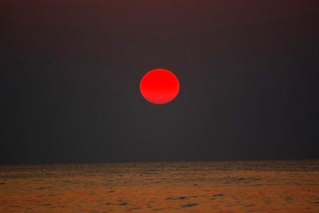 九十九里 赤い太陽 日の出 白子海岸_e0117266_1471147.jpg