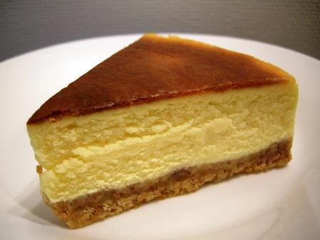濃厚ベイクドチーズケーキ_e0167593_0153638.jpg