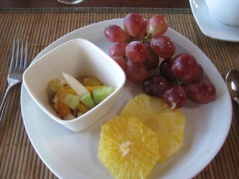 ニューカレドニアの青い空(6)Hotel Kou-Bugnyの朝食_c0013687_9585913.jpg