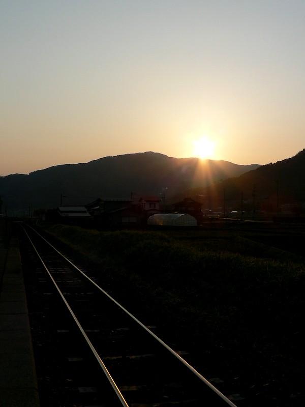 綾織駅のとっておき_d0001843_22242452.jpg