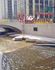 清渓川と漢江~ 韓国 ソウル~ _f0197754_1658838.jpg