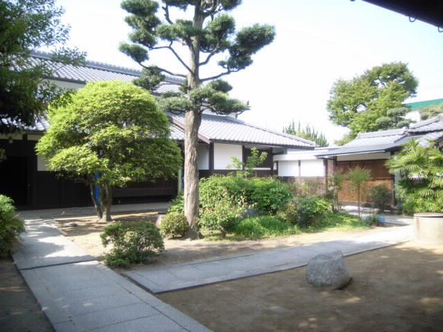 庭周りの石の整理 雑感  五月三日_f0052181_1117349.jpg