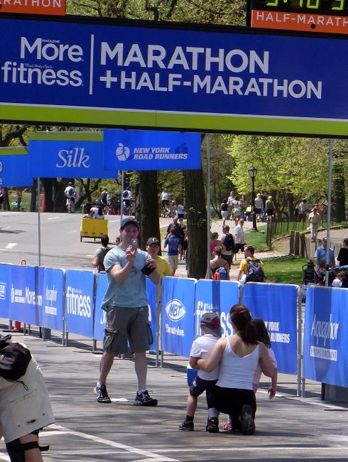 ニューヨークではかなり身近な市民マラソン大会_b0007805_12472477.jpg