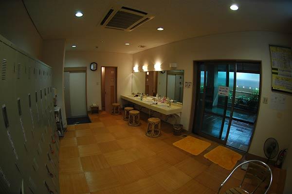 弥彦温泉(湯神社温泉)・ホテル ヴァイス_c0043361_23473394.jpg