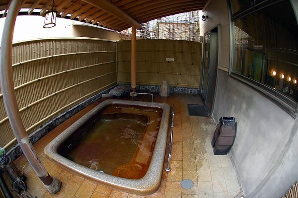 弥彦温泉(湯神社温泉)・ホテル ヴァイス_c0043361_032755.jpg