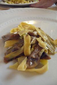 ボルゴ・サンロレンツォのレストラン~デッリ・アルティスティ_f0106597_16531199.jpg