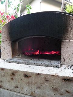 石釜であんこたっぷりのピザを焼く_c0053520_23124062.jpg