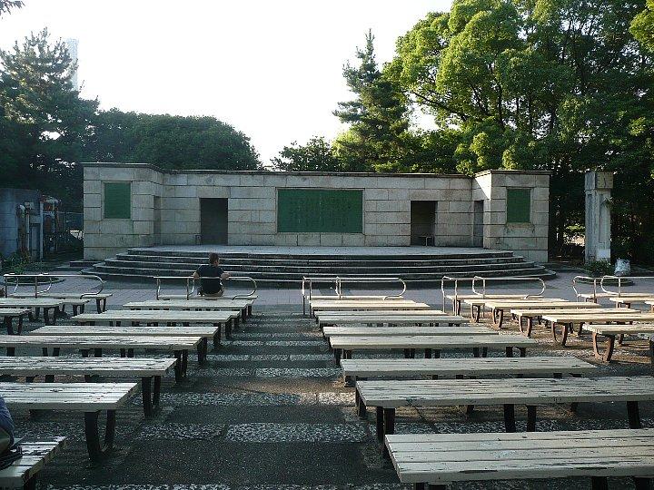 鶴舞公園普選壇(御誓文記念壇)_c0112559_222521.jpg