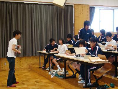 泊さんのワークショップin七尾東雲高校_e0118827_16411149.jpg