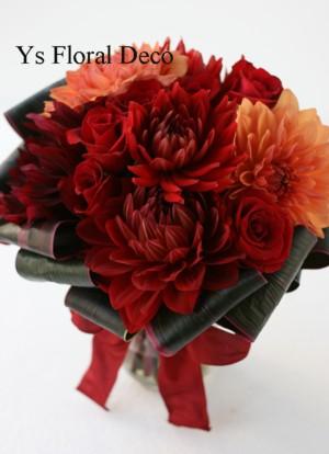 ダリアのクラッチブーケ と ロマンティックブーケおじさま_b0113510_23555456.jpg