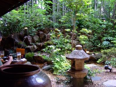 「鳥良」の庭