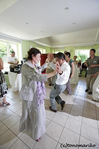 お父さんのダンス_c0024345_2285367.jpg