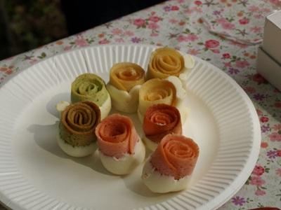 バラの季節のガーデンティパーティ。_a0094959_1204651.jpg