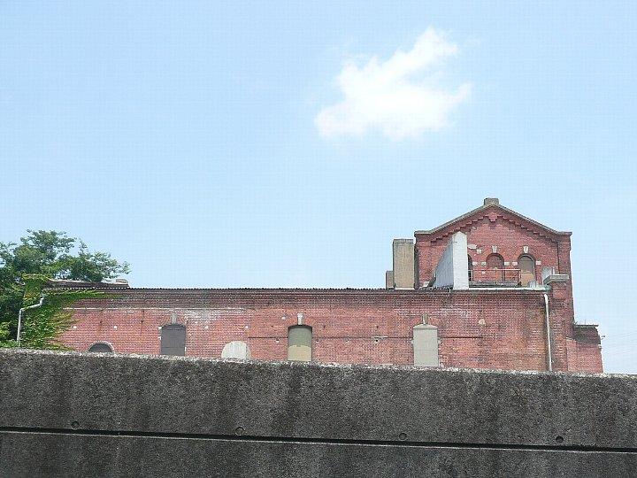 半田赤レンガ建物:旧丸三麦酒ビール醸造工場(カブトビール工場)創建時主棟_c0112559_13451055.jpg
