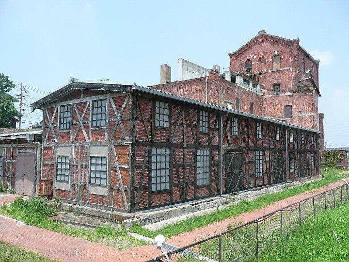 半田赤レンガ建物:旧丸三麦酒ビール醸造工場(カブトビール工場)創建時主棟_c0112559_13452370.jpg