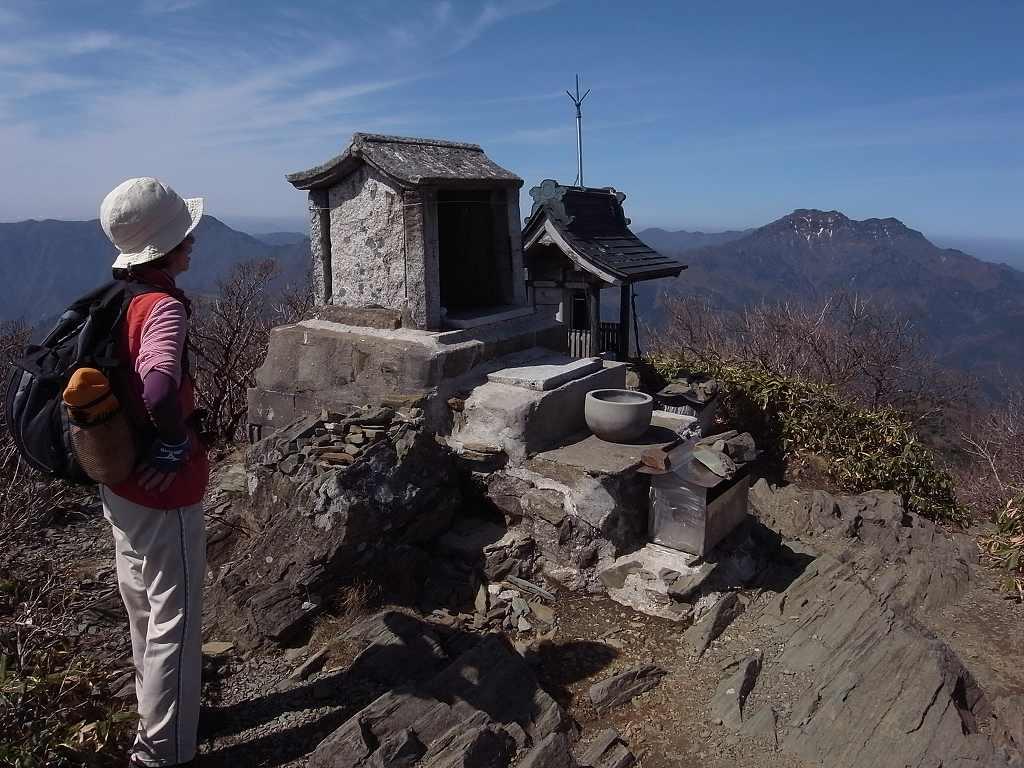 4月18日、瓶ヶ森登山-写真編-_f0138096_9393022.jpg