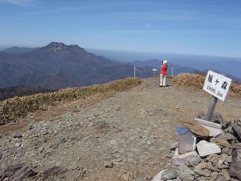 4月18日、瓶ヶ森登山-写真編-_f0138096_9395058.jpg