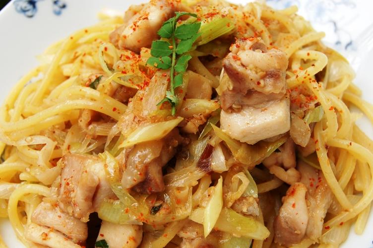 お箸で食べたい☆鶏ネギ味噌パスタ_d0104926_2351310.jpg