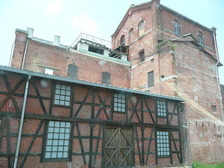 半田赤レンガ建物:旧丸三麦酒ビール醸造工場(カブトビール工場)ハーフティンバー棟_c0112559_9523399.jpg