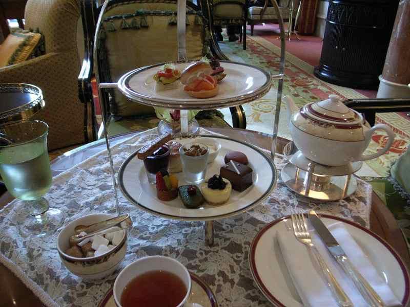 【中国】ザ・リッツ・カールトン広州 大堂酒廊(Pearl Lounge)_d0068879_13259.jpg