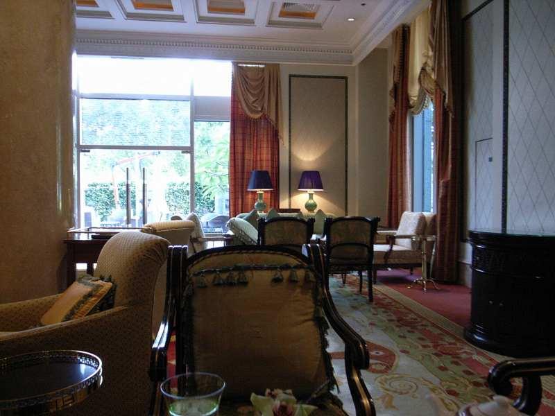 【中国】ザ・リッツ・カールトン広州 大堂酒廊(Pearl Lounge)_d0068879_142065.jpg