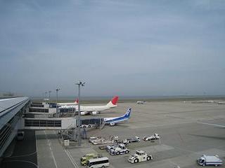 空港にて_e0010955_2215951.jpg