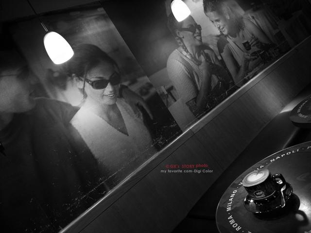 イタリアン・レッドの夜 - scene #02 -_e0117517_23572414.jpg