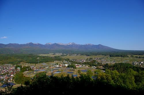 新緑に包まれる八ヶ岳 ~朝倉山城跡から~_d0102327_22434055.jpg