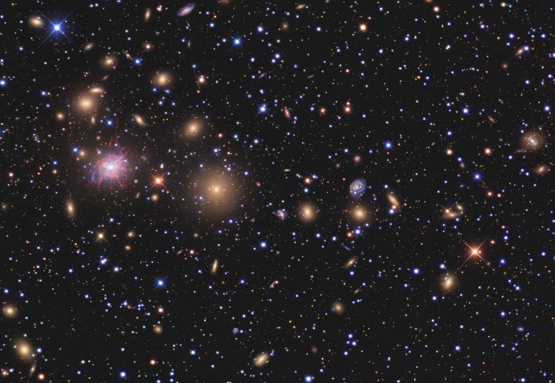 巨大なペルセウス座銀河団Abell426と超新星SN2008fg_d0063814_10585115.jpg