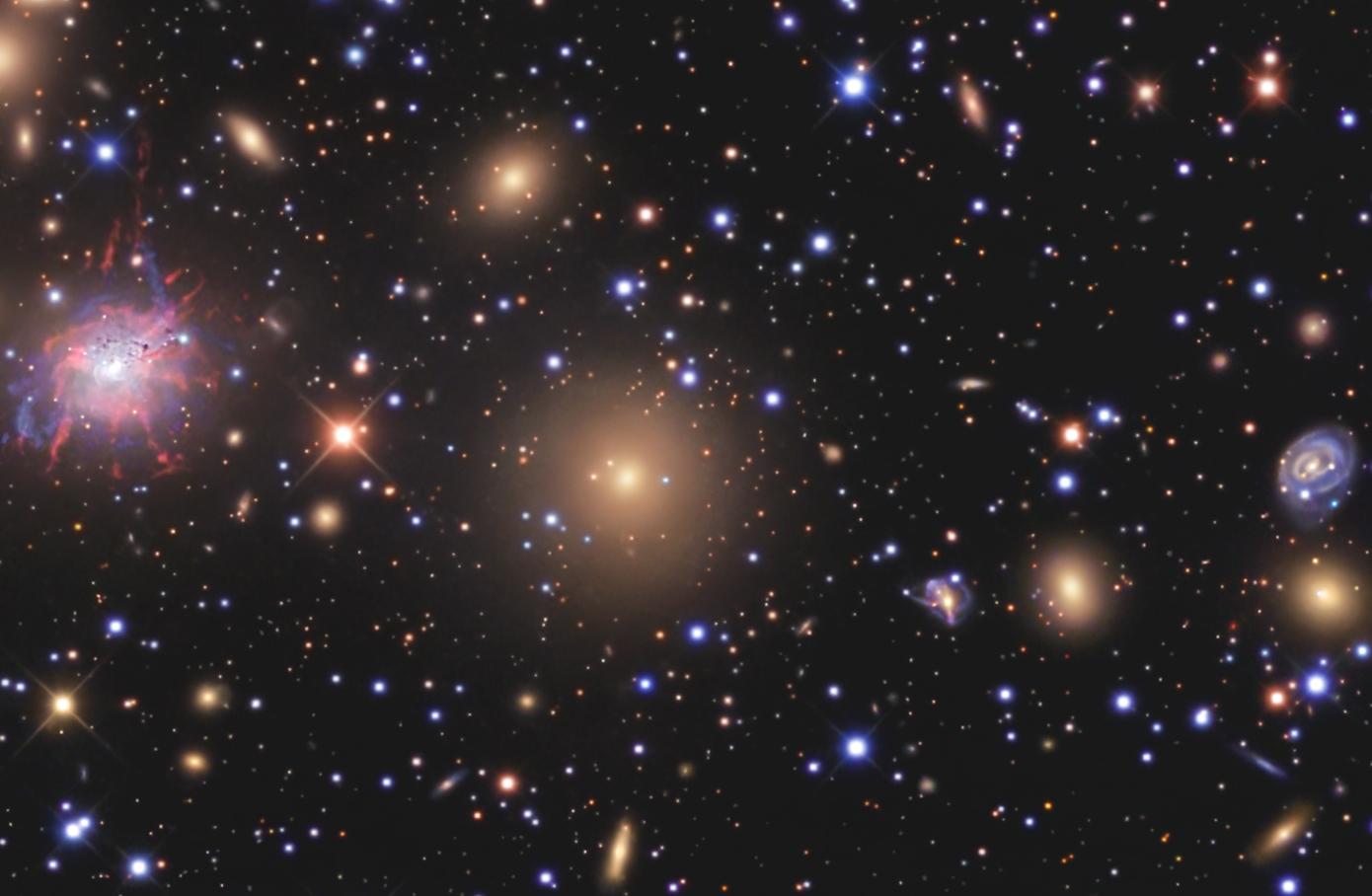 巨大なペルセウス座銀河団Abell426と超新星SN2008fg_d0063814_1111786.jpg