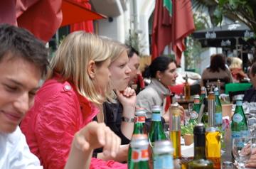アンペルマンレストランで昼食/夕方はクラブのテラスで_c0180686_155033.jpg