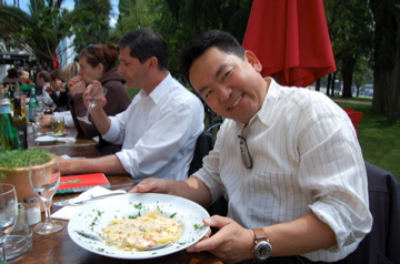アンペルマンレストランで昼食/夕方はクラブのテラスで_c0180686_15522412.jpg