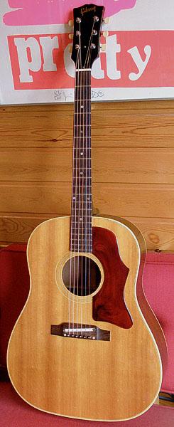 「1966年製 Gibson J-50」が入荷しましたヨっ!_e0053731_19104022.jpg