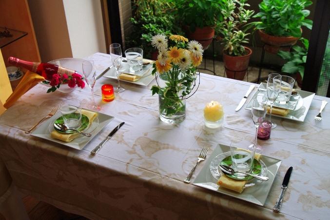ZARA Homeのテーブルクロスで 初夏のテーブルコーディネート_d0145934_16352226.jpg