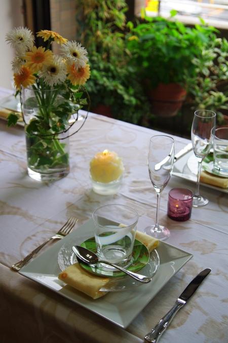 ZARA Homeのテーブルクロスで 初夏のテーブルコーディネート_d0145934_1635443.jpg