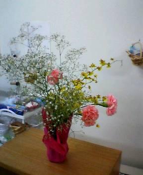 花で施設が華やかに_b0106766_13455181.jpg