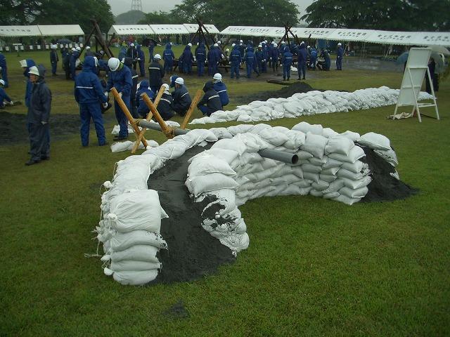 雨の中の水防訓練_f0141310_23384020.jpg