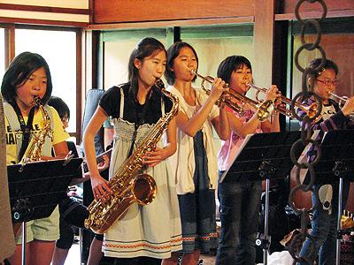 里山でジャズ音楽を楽しもう!_e0118827_22164560.jpg
