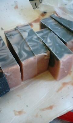 手作り石鹸教室の作品を今日、箱からだしてみたよ_f0180576_14285318.jpg