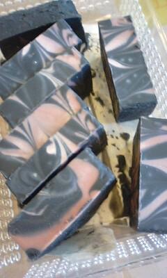手作り石鹸教室の作品を今日、箱からだしてみたよ_f0180576_14285340.jpg