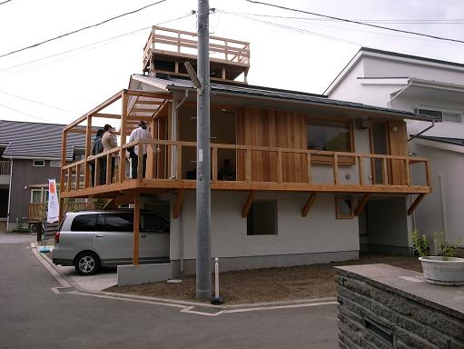 「逗子の家」・「葉山の家」(設計:N設計室さん+徳田英和設計事務所さん)_a0039934_19211292.jpg