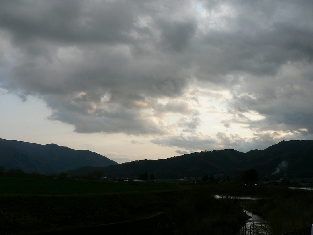 めまぐるしく変わる空模様を追ってみた_d0001843_19521590.jpg