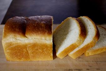 ナンブ小麦で山食とバタール(糖分5%+菜種油4%)_c0110869_21122314.jpg