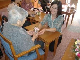 母の日のイベント<アクティブライフ山芦屋>_c0107602_1331339.jpg