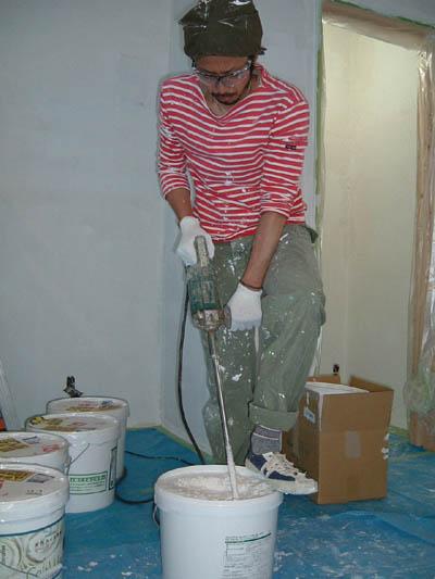 漆喰塗り 開始しました。_a0113127_2217182.jpg