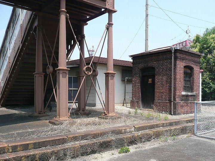 JR半田駅_c0112559_14193775.jpg